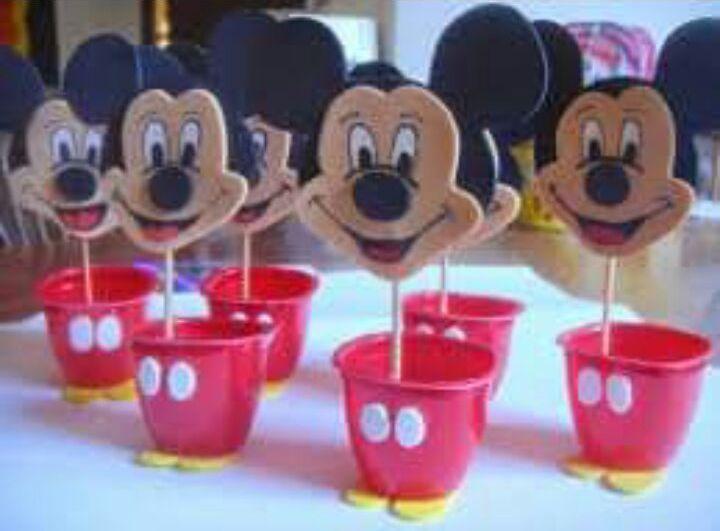 Diversas sugestões não apenas para o tema Mickey, como também para aqueles que desejam fazer uma festa para irmãos com o tema Mickey/Minn...