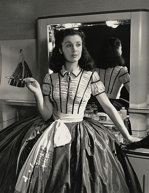 Vivien Leigh behind the scenes of Gone with the Wind