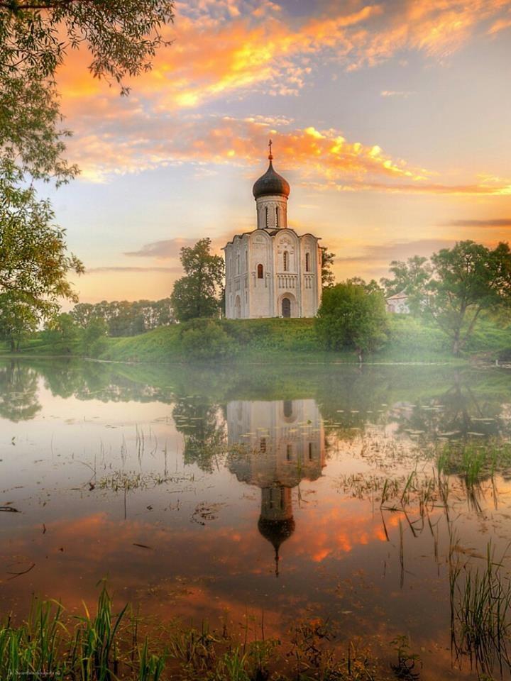 Church amidst the glory of God