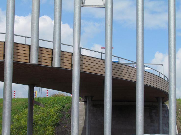 Detail Linielanding Nieuwegein met Natural Cladding bekleding voor reling en plafonds. Ontwerp: ARC2 Architecten