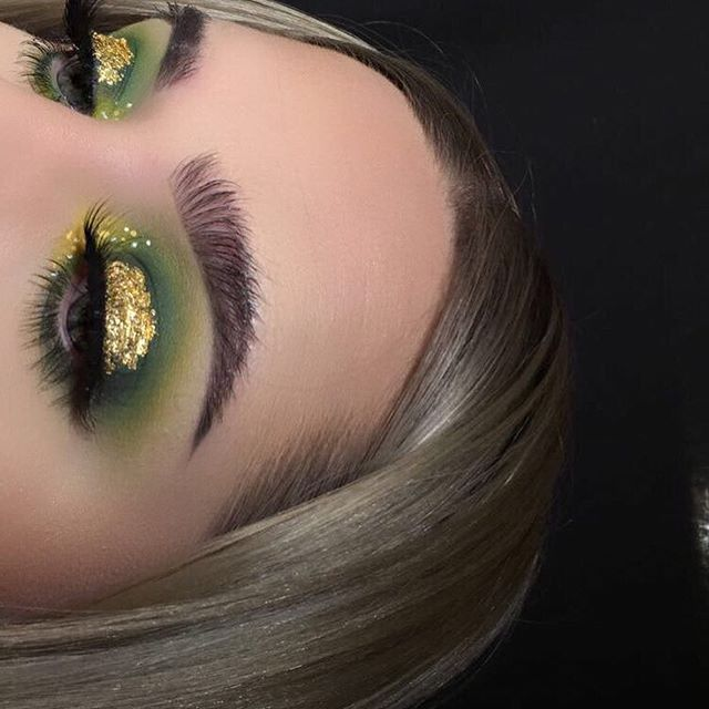 "✨☘ pot of gold ☘✨ inspired by @janeenersss -------------------------------------------- EYES: @morphebrushes 35C palette, @nyxcosmetics white liner and vivid halo, gold leaf from craft store, @urbandecaycosmetics perversion mascara BROWS: @anastasiabeverlyhills dipbrow in ash brown, clear brow gel LASHES: ""dreamy"" from @certifeye SKIN: @makeupforeverofficial ultra hd foundation stick, @anastasiabeverlyhills cream and powder contour kit in light, @lauramercier translucent powder,"