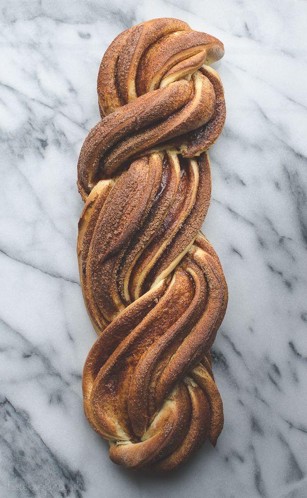 Cinnamon Nog Twist Bread | @tasteLUVnourish | #bread #nog #holiday @lovemysilk