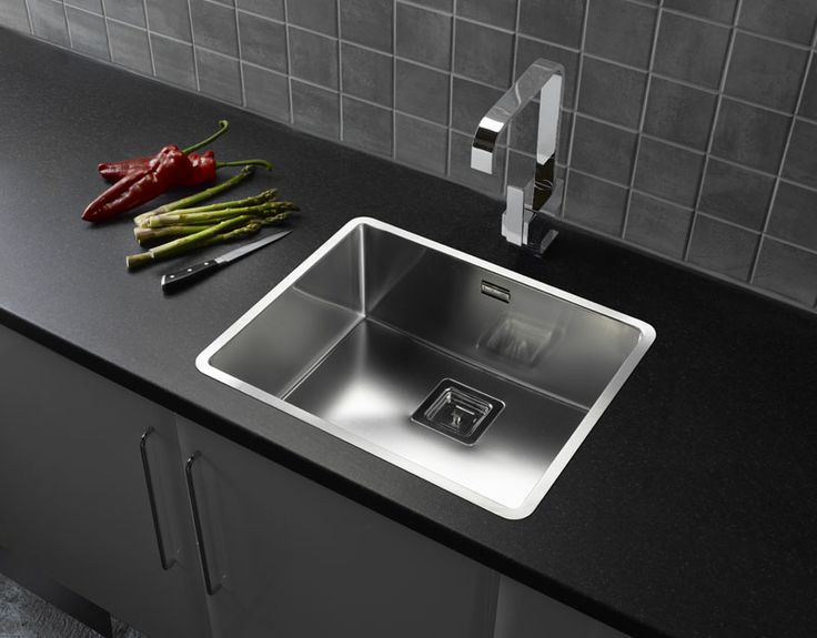 Reginox Texas 50x40 - can be installed undermount or inset thank to the versatile Regi-Fit system. http://www.sinks-taps.com/item-7893-TEXAS_50x40_Large_Bowl_Sink.aspx