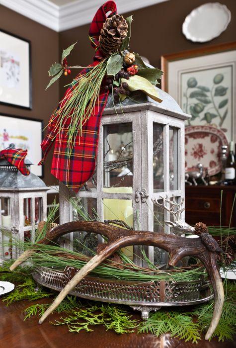 Christmas Decor: Wall Colors, Antlers Decor, Christmas Decor With Antlers, Deer Antlers, Christmas Lanterns, Christmas Décor, Lanterns Centerpieces, Antlers Christmas, Rustic Christmas