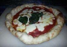 Pizza come in pizzeria - pizza sfornata