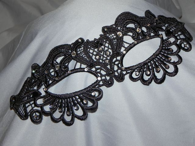 The 25+ best DIY lace masquerade masks ideas on Pinterest DIY - masquerade mask template