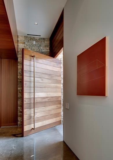 Porta pivotante madeira de demolição - Ecoville Portas Especiais