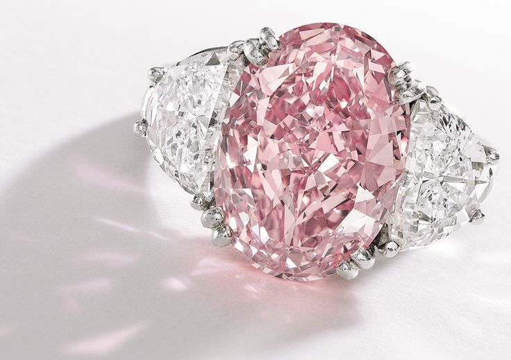 """""""The Graff Pink"""" is a rare pink diamond ring valued at MUCHO DINERO! It's the most expensive jewel ever bought at $44 million by British billionaire jeweler Laurence Graff."""