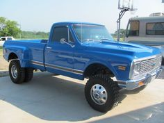 Say chevy 4x4 dually