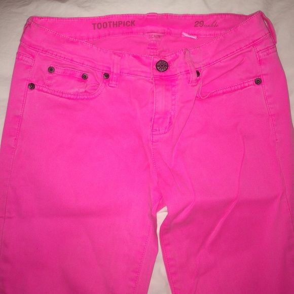 JCREW HOT PINK PANTS Worn once. Hot pink. Size 29. GREAT JEANS. STRAIGHTLEG WITH ZIPPER J. Crew Pants
