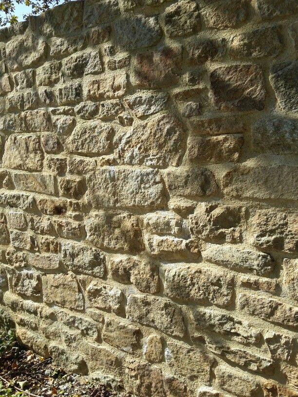 Mur en pierres granit