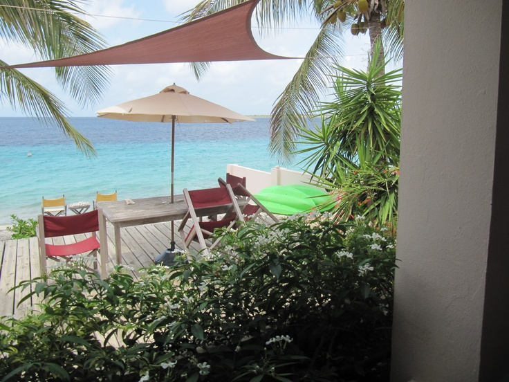 This could be your  #Bonaire view http://www.bonairecaribbean.com/bonaire_properties/pelicanreef.html