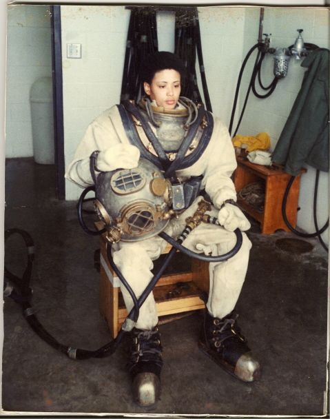 Andrea Motley Crabtree is the first female US Army deep sea diver. #STEM #women #oceanography