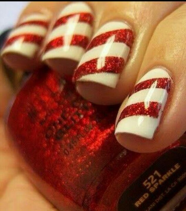 peppermint nails christmas nails i did my chirstmas nails red and greenwhy didnt i think of the candy canes - Nail Design Ideas 2012