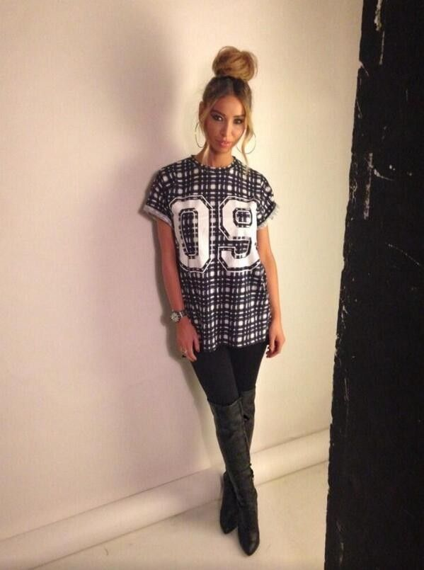 Lauren Pope wearing Finders Keepers