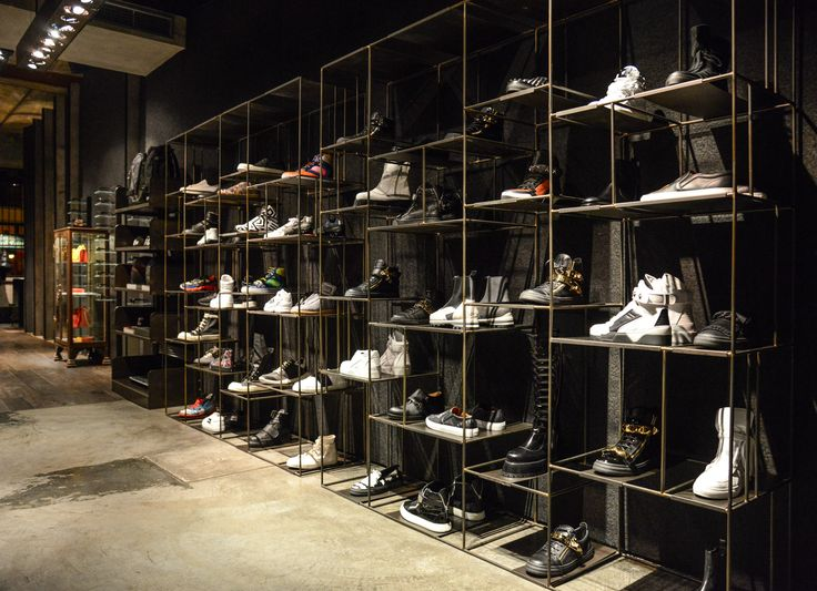 Exhibition Booth Supplier : Inside the store shoes display antonioli virtual tour