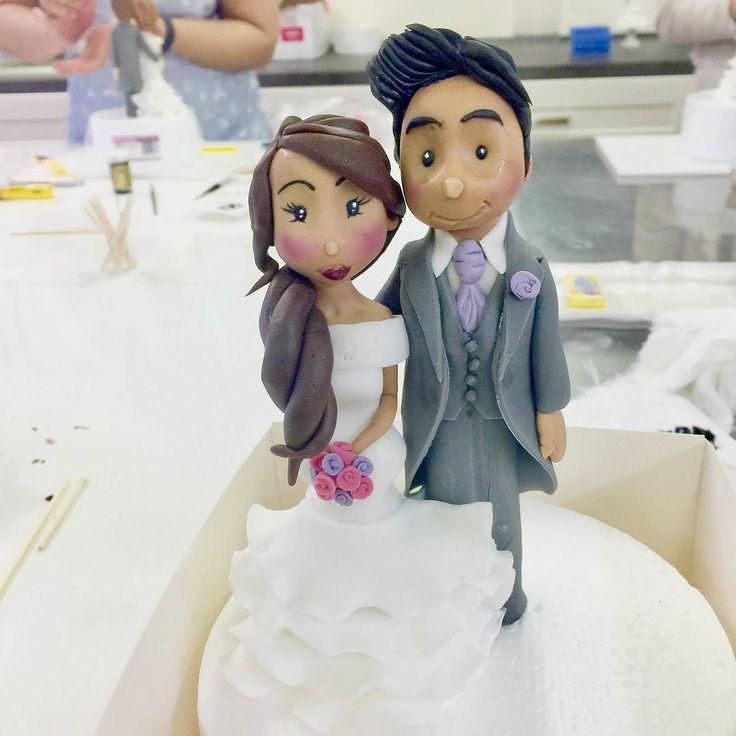 Congratulation to this couple !!! Bride and groom cake topper  Message me for your bespoke one . . #tsweetmap #bride #bridegroom #cake #cakedecorating #cakestopper #mk #miltonkeynes #thehub #thehubmk #wedding #weddingcake #li