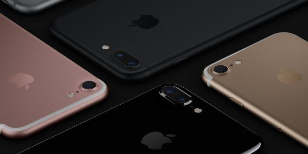 Apple Inc. va célébrer son 10e anniversaire en 2017, et il est prévu que la société va lancer quelque chose de spectaculaire pour marquer sa décennie de succès. iPhone 8 va lancer prochainement lors de l'événement, mais il est possible que la compagnie peut retarder son lancement jusqu'à...  http://www.socialbuzz.fr/iphone-8-un-engrenage-vers-importante-refonte-sortie-prevue-pour-automne-2017/