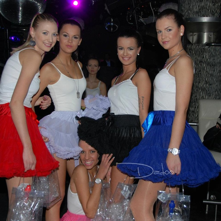Show with girls wearing DOLLY skirts