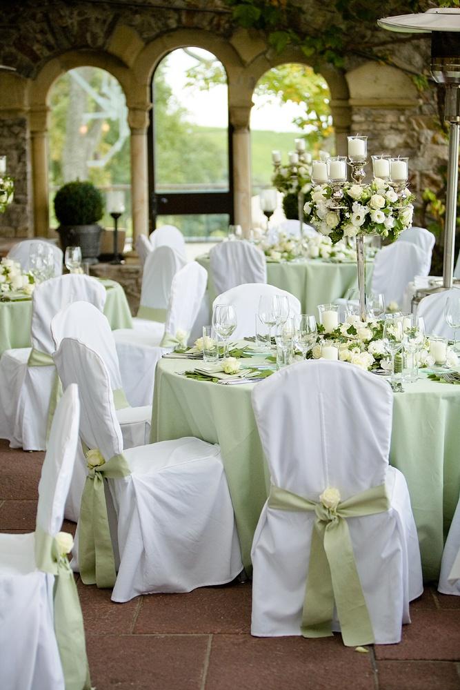 green wedding decoration table leaves flowers roses white. Black Bedroom Furniture Sets. Home Design Ideas