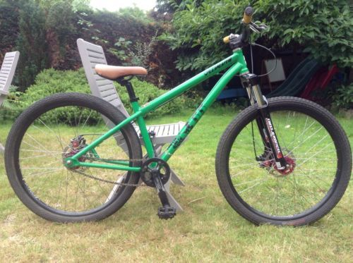 Specialized P1 dirt jumping mountain bike https://t.co/CCBW3mXVGv https://t.co/oEmtIGOa7Y