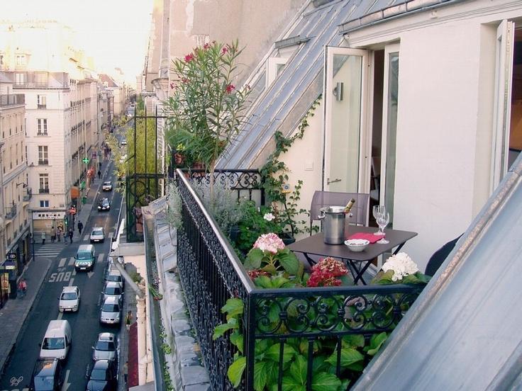 1st arrondissement apartment balcony images of paris pinterest balconies tables and plants. Black Bedroom Furniture Sets. Home Design Ideas