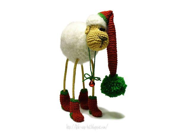 Новогодняя овечка ручной работы, связанная крючком