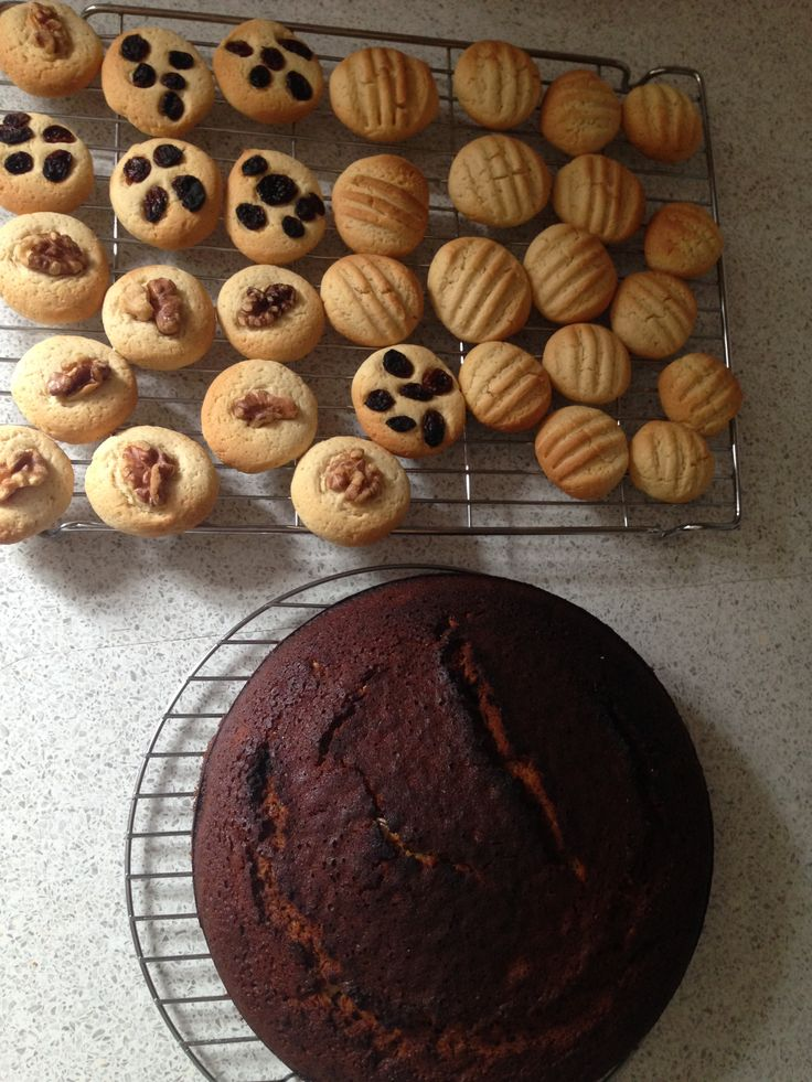 Vanilla biscuits and ginger cake, bring on the icing