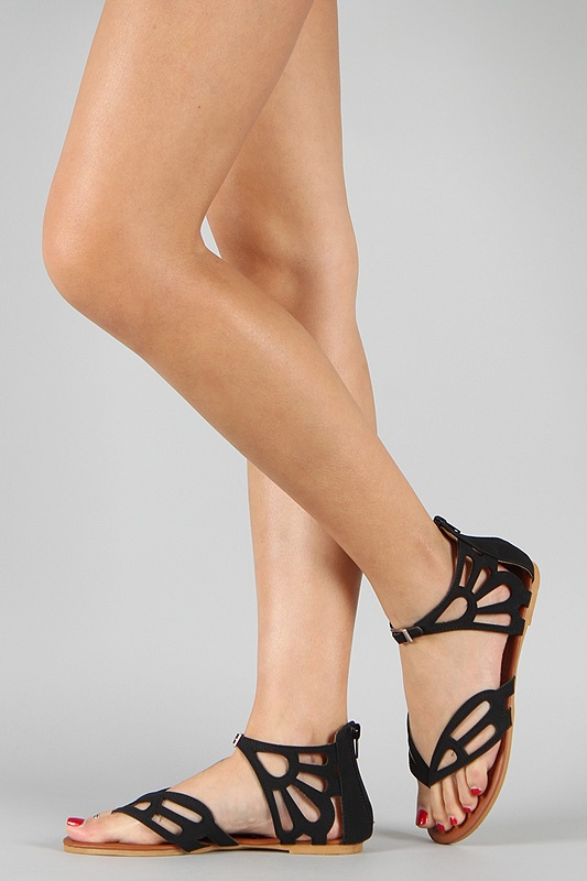 Butterfly sandals! How chic are these! I love wearing sandals with long, feminine maxi skirts!