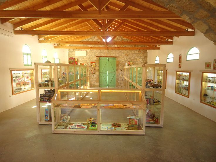 Rhodes Toy Museum: Information and pictures of the Toy Museum in Rhodes island, Dodecanese, Greece.