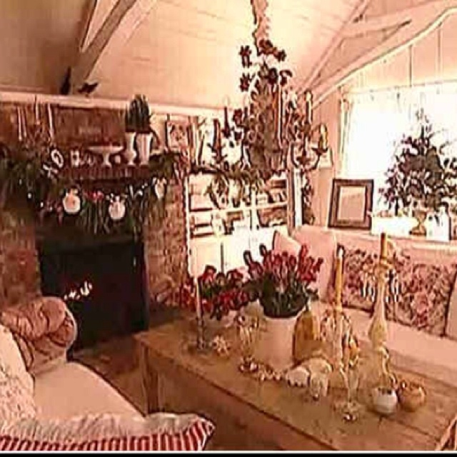 Beach Cottage Style On Pinterest: Pamela Anderson's Shabby Chic Beach House, My Favorite
