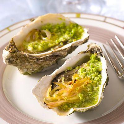 Découvrez la recette Huîtres gratinées aux échalotes confites sur…