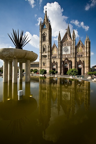 Guadalajara, MX  Templo El Expiatorio by memoflores, via Flickr