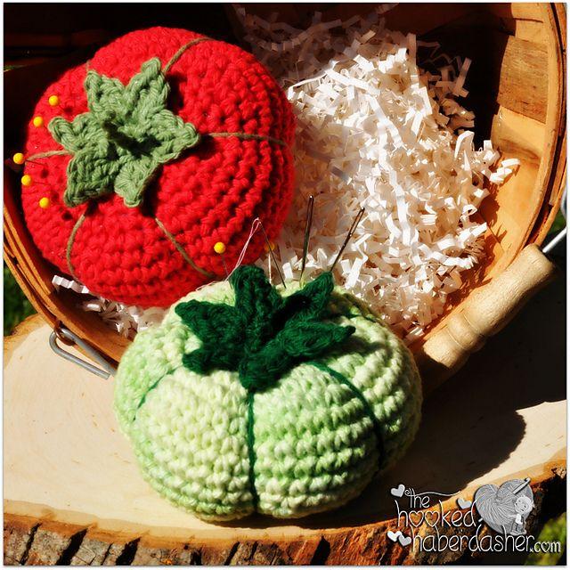 Ravelry: FREE PATTERN! Heirloom Tomato Pincushion pattern by The Hooked Haberdasher