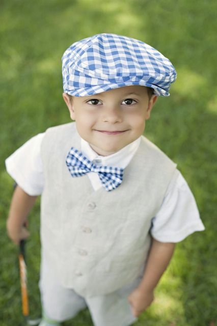 How cute is this little golfer?!