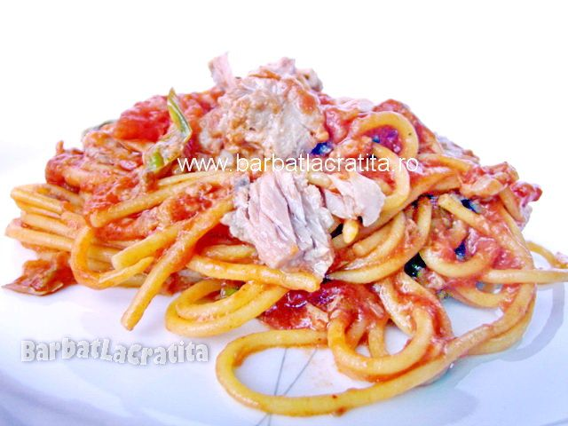 Paste cu ton (spaghete)