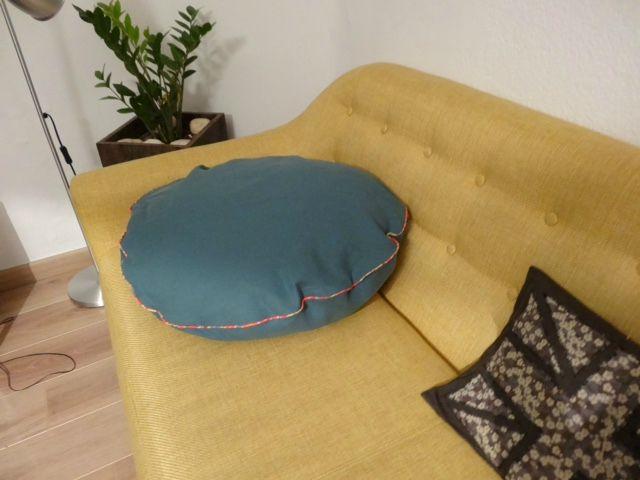 les 25 meilleures id es de la cat gorie coussin rond sur pinterest oreiller d 39 l phant tissu. Black Bedroom Furniture Sets. Home Design Ideas