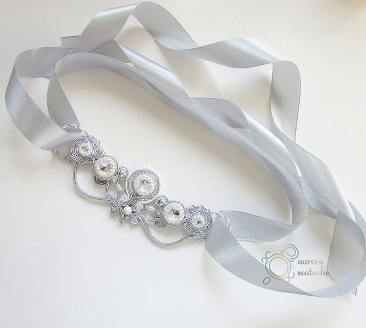 Pas do sukni ślubnej. Wyjątkowy dodatek dla panny młodej. #soutache #sutasz #rękodzieło #handmade #handicraft  #jewellery #biżuteria #aurorasoutache #wedding #weddingjewelry #slub #wesele #ślub #weddingbelt #pannamloda #whiteandsilver