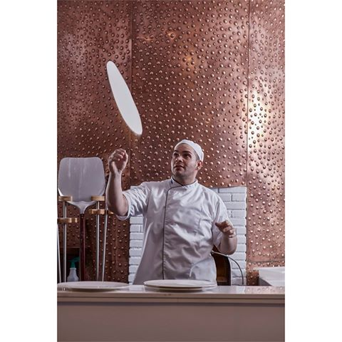 How authentically Italian is Ravioli's Italian Restaurant? Let our chef show you with his expert dough-tossing! #food #ayianapa #italianrestaurant #bestpizza #italian #pasta #protaras #grecianpark #pizza #raviolis #restaurant #hotels #grecianparkhotel #hotel #cyprus #italianfood
