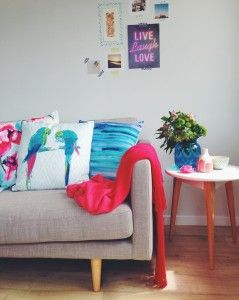 Via My Beloved Style. I have always been a big fan of turquoise, teal and sky blue, especially paired with greens but my latest crush is pale pink, melon, and hot pink all paired with the blue, I am in colour heaven, it just screams summer to me.
