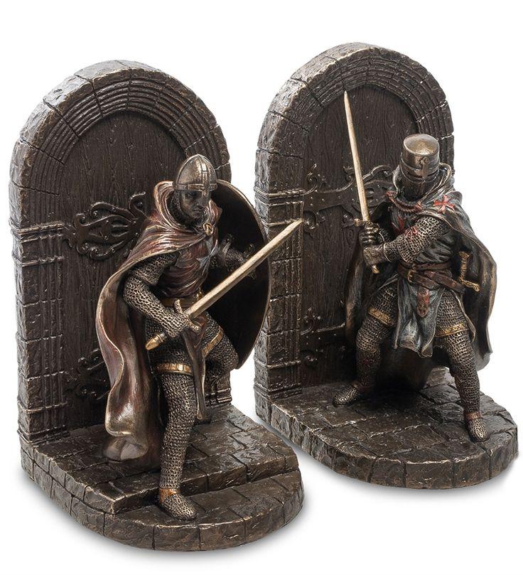 Держатели для книг «Мальтийские крестоносцы» WS-839   Бренд: VERONESE;    Страна производства: Китай;   Материал: полистоун;   Длина: 25 см;   Ширина: 11 см;   Высота: 19 см;   Вес: 1,8 кг;          #polyresin #figurines #statuettes #полистоун #фигурки  #статуэтки #воины #древности #veronese #warriors #antiquity