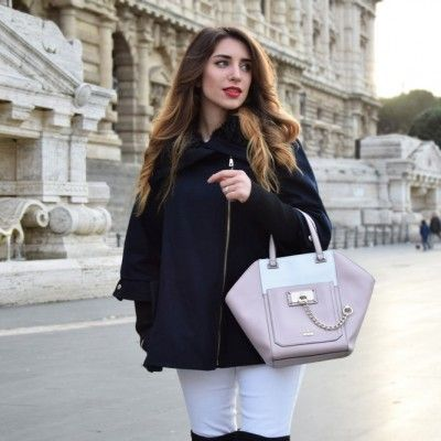 Fashion blogger wearing a  Guess outfit during winter
