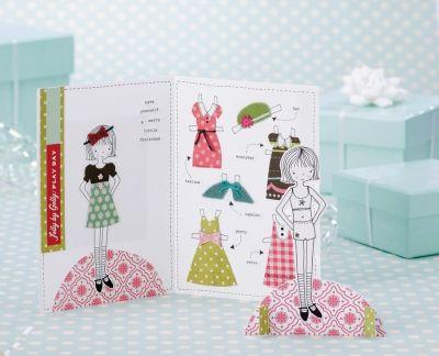 Fantastic DIY tutorial: paperdoll postcard  A legötletesebb csináld magad képeslap / Éva Magazin Öltöztetőbabás képeslap, amit te is elkészíthetsz!