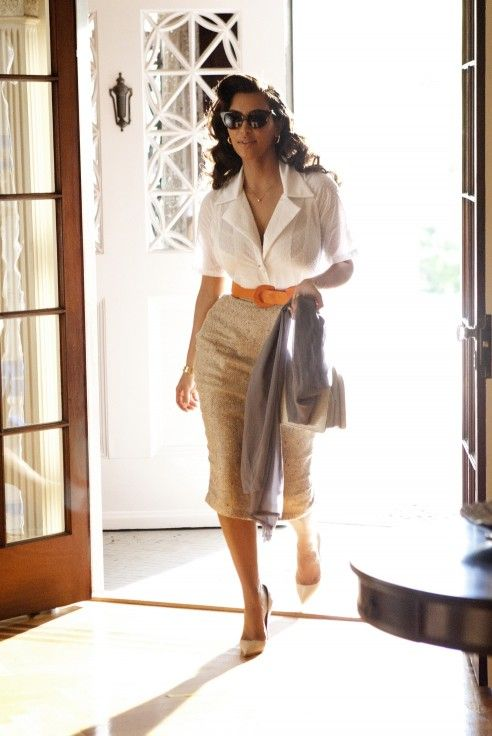 I fell in love with Kim's outfit the first time I saw it.  I love the sophisticated feminine look.: Kimkardashian, Old Schools, Outfit Ideas, Kim Kardashian, Elizabeth Taylors, Offices Style, Hollywood Glam, Pencil Skirts, Business Casual
