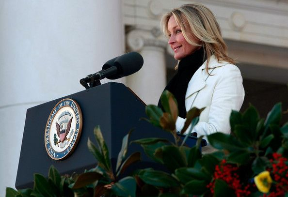 Bo Derek Photos - Actress Bo Derek, mistress of ceremonies, addresses the crowd during Veterans Day ceremonies at Arlington National Cemetery November 11, 2008 in Arlington, Virginia. Today marks the 55th anniversary of the observance of Veterans Day - Cheney Lays Wreath At Arlington To Commemorate Veterans Day