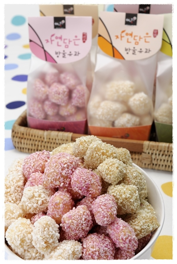 Yumilgwa (유과): hangwa made by frying and kneading ...