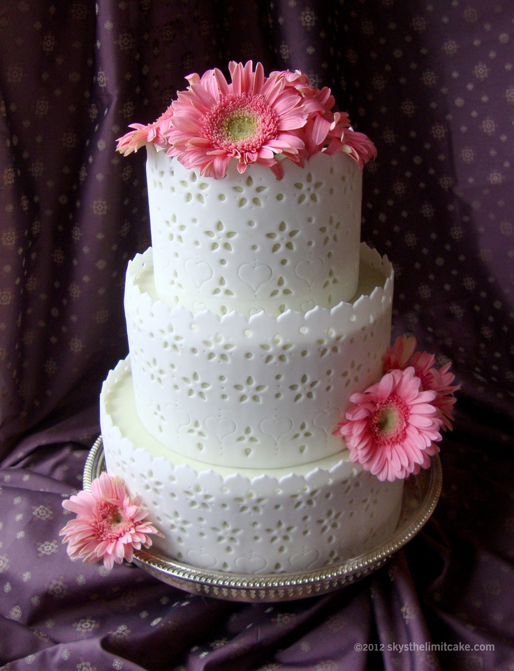wedding cake pictures with gerbera daisies 31 best images about gerbera cakes on 23449