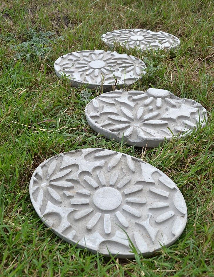 25 best ideas about diy stepping stones on pinterest for Diy garden stepping stones