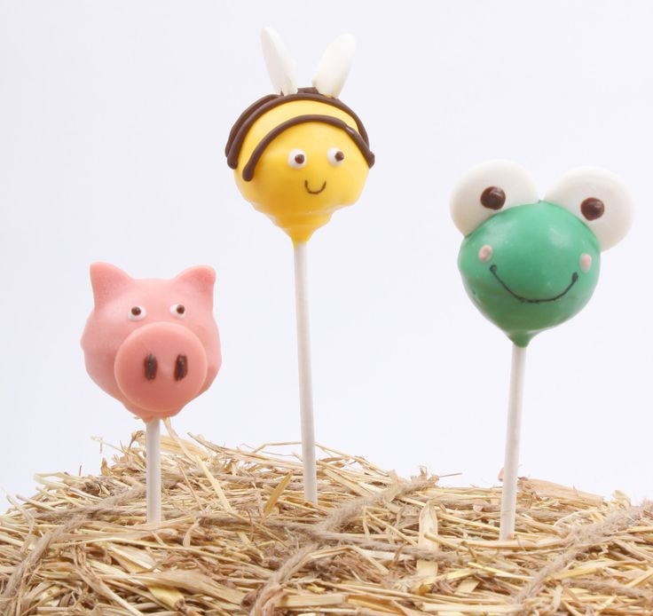 Cake pops were a huge trend in 2014 and it seems that this trend is set to stay for 2015. Learn how to make super cute animal cake pops by Lucy Bruns.
