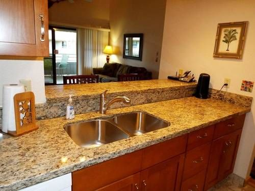 Kihei Bay Vista #D-209 Kihei (Hawaii) Kihei Bay Vista #D-209 offers accommodation in Kihei, 600 metres from Kihei Beach Resort and 4.2 km from Cove Park. This apartment features an outdoor pool and free WiFi. Free private parking is available on site.
